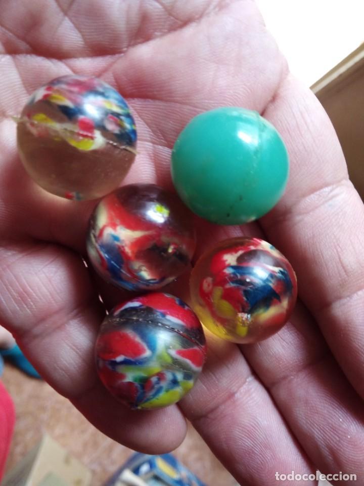 Juguetes antiguos y Juegos de colección: lote 5 pelotas goma saltarinas kiosko años 70 80 de MF - Foto 2 - 269489743