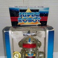Juguetes antiguos y Juegos de colección: SUPER ROBOT NUEVO EN CAJA. SALVAOBSTÁCULOS. AÑOS 80 ? 19 CM. SIN JUGAR.. Lote 221359888