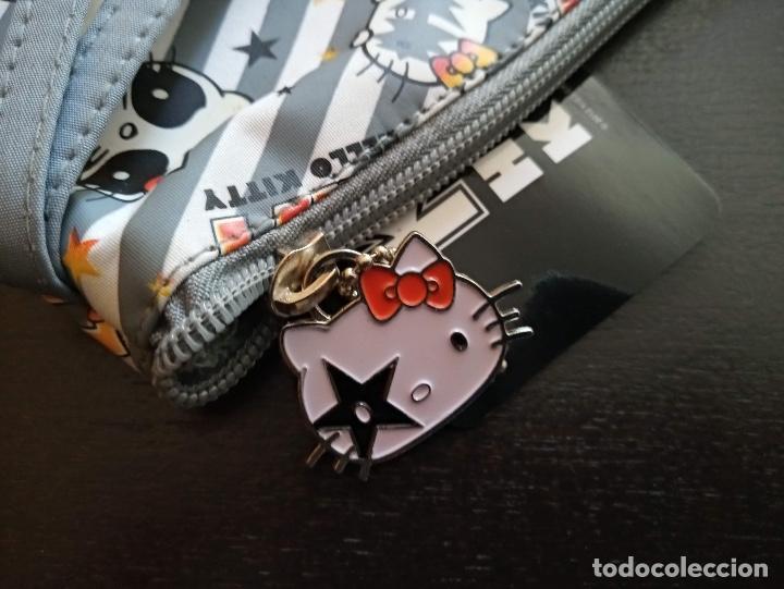 Juguetes antiguos y Juegos de colección: Neceser Kiss Hello Kitty Nuevo con etiquetas Original Sanrio 2012 - Foto 4 - 226819540