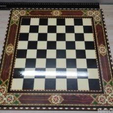 Juguetes antiguos y Juegos de colección: TABLERO DE AJEDREZ DAMAS 46CM X 46CM. Lote 227145945