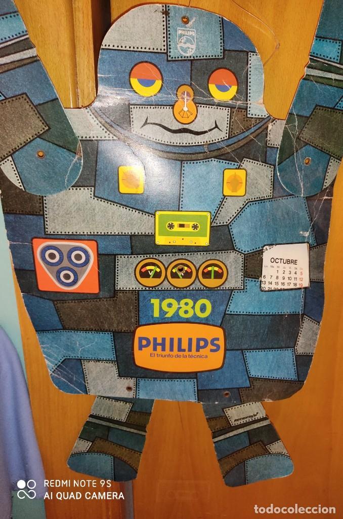 DIFICIL CALENDARIO AÑO 1980 PUBLICIDAD DE PHILIPS CON FORMA DE ROBOT (Juguetes - Varios)