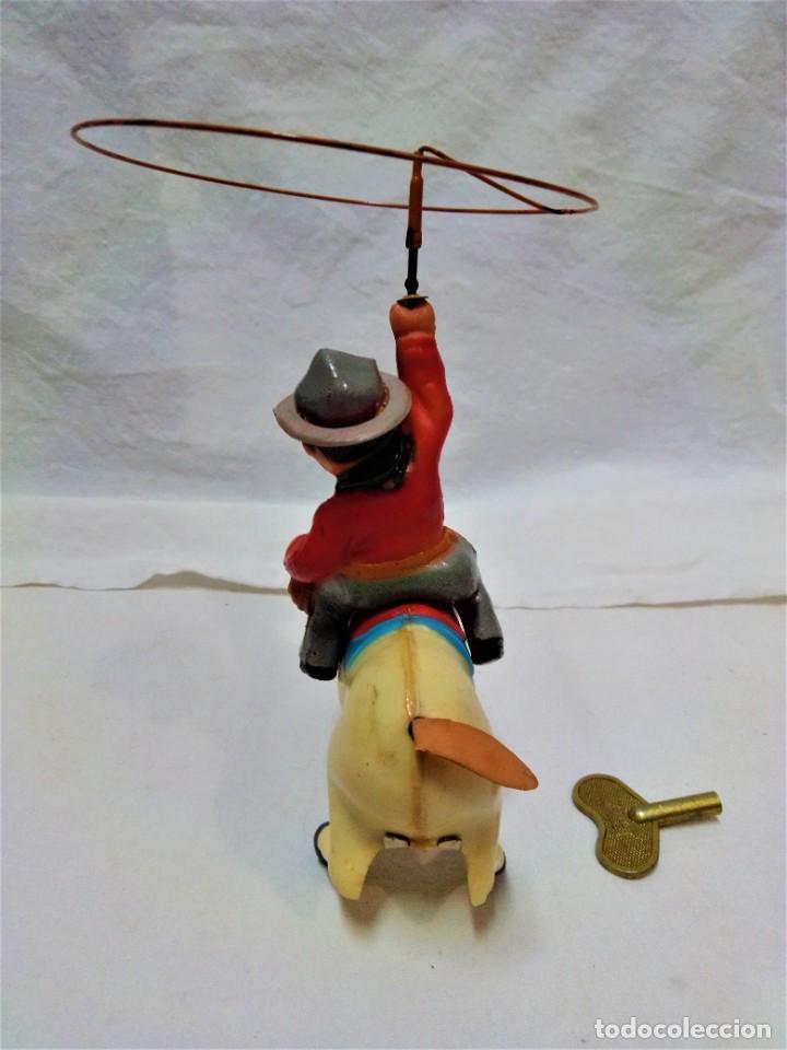 Juguetes antiguos y Juegos de colección: POTRO SALVAJE.DE JUGUETES PAYA.A CUERDA.EN FUNCIONAMIENTO.AÑOS 50.VER DESCRIPCIÓN Y FOTOGRAFIAS. - Foto 3 - 231210655
