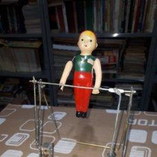 Juguetes antiguos y Juegos de colección: MUÑECO ACROBATA PARA RESTAURAR FUNCIONANDO MADE IN JAPAN AÑOS 60. Lote 231291235
