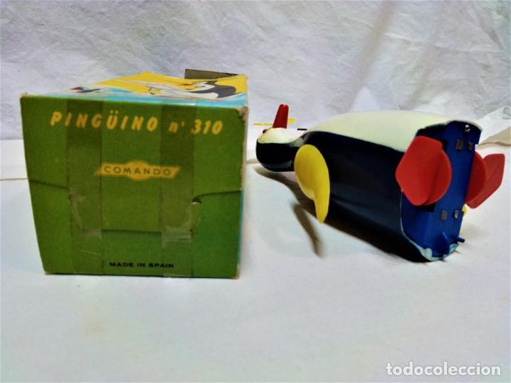 Juguetes antiguos y Juegos de colección: JUGUETE PINGÜINO QUE LEE.DE COMANDO.A CUERDA.EN FUNCIONAMIENTO.VER DESCRIPCIÓN Y FOTOGRAFIAS. - Foto 6 - 231798045