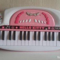 Juguetes antiguos y Juegos de colección: PIANO HELLO KITTY / DE SMOBY. / FUNCIONANDO Y EN PERFECTO ESTADO. Lote 234317740