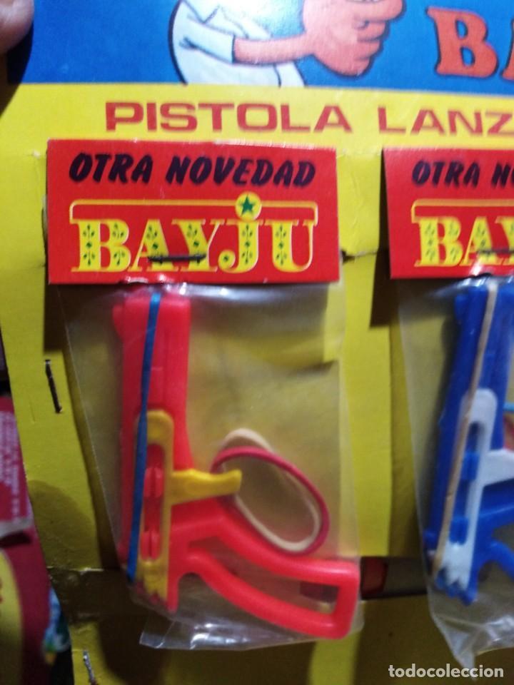Juguetes antiguos y Juegos de colección: pistola pistolita lanza gomas bayju juguete kiosko baratija años 70 - Foto 2 - 235511255