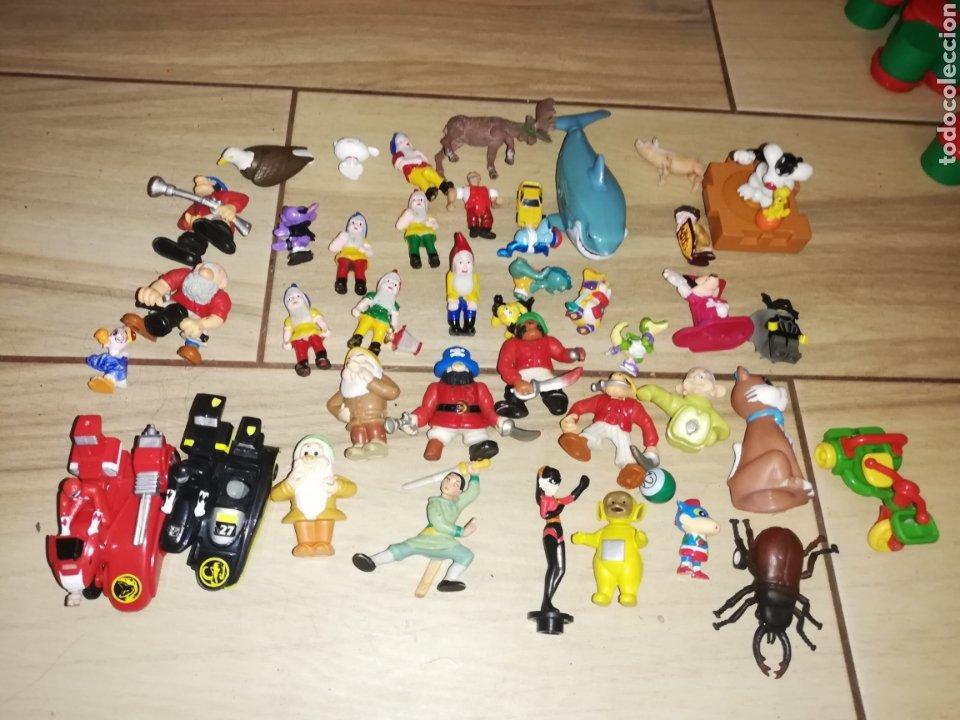 Juguetes antiguos y Juegos de colección: Lote de 44 figuras de goma y de marcas conocidas y piezas sueltas más de 60 no se a que pertenecen.. - Foto 2 - 238787130
