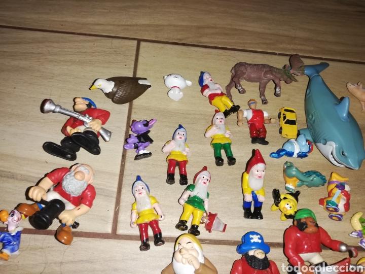 Juguetes antiguos y Juegos de colección: Lote de 44 figuras de goma y de marcas conocidas y piezas sueltas más de 60 no se a que pertenecen.. - Foto 3 - 238787130