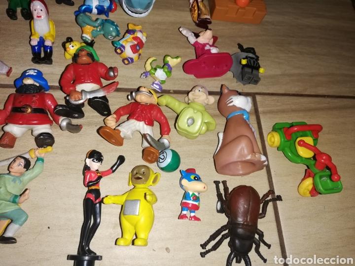 Juguetes antiguos y Juegos de colección: Lote de 44 figuras de goma y de marcas conocidas y piezas sueltas más de 60 no se a que pertenecen.. - Foto 4 - 238787130