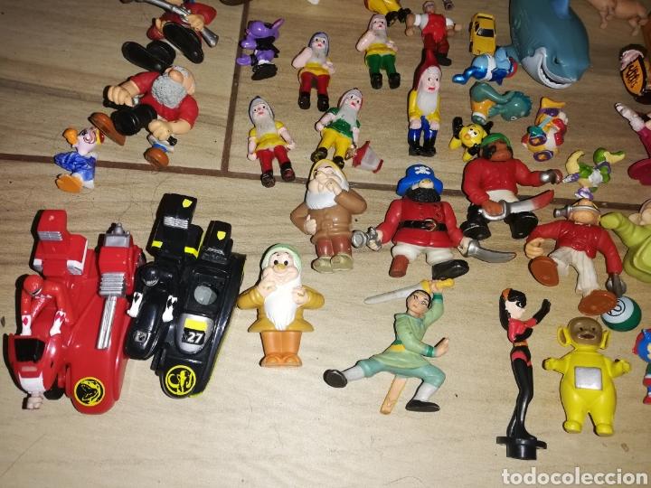 Juguetes antiguos y Juegos de colección: Lote de 44 figuras de goma y de marcas conocidas y piezas sueltas más de 60 no se a que pertenecen.. - Foto 8 - 238787130