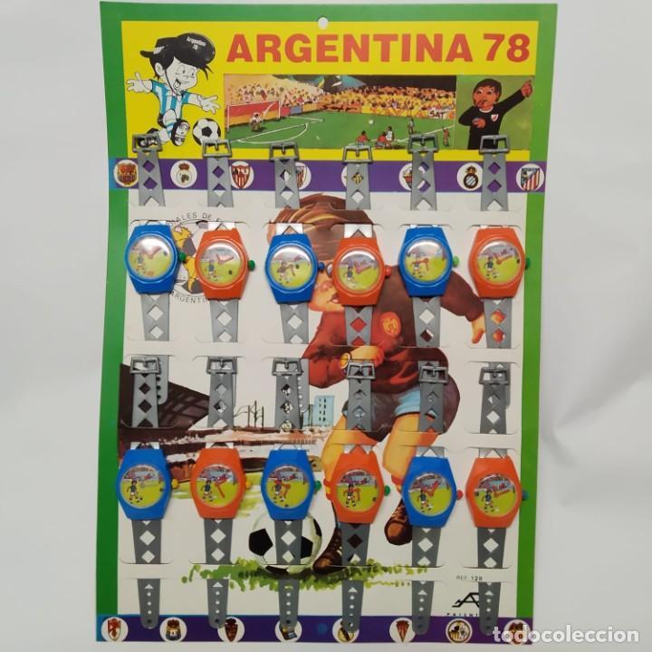 PANOPLIA EXPOSITOR COMPLETO DE RELOJES ARGENTINA 78 PLÁSTICOS ALBACETE (Juguetes - Varios)