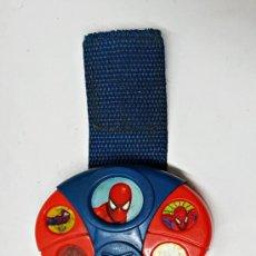 Juguetes antiguos y Juegos de colección: PULSERA CON SONIDOS DE SPIDERMAN MARVEL. Lote 245946840