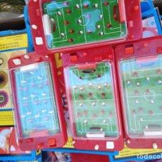 Juguetes antiguos y Juegos de colección: JUEGO HABILIDAD BOLSILLO FUTBOL FUTBOLIN ORBERTOYS KIOSKO AÑOS 70 80 NUEVO SIN USO. Lote 275497913