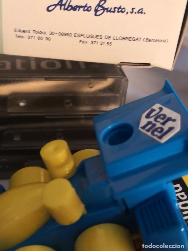 Juguetes antiguos y Juegos de colección: Raro coche set 4 en 1 deportivo set regla, afilador y dos clips. Por Alberto busto. - Foto 8 - 251278870