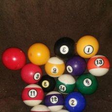 Juguetes antiguos y Juegos de colección: 16 BOLAS DE BILLAR ANTIGUAS.. Lote 257720035