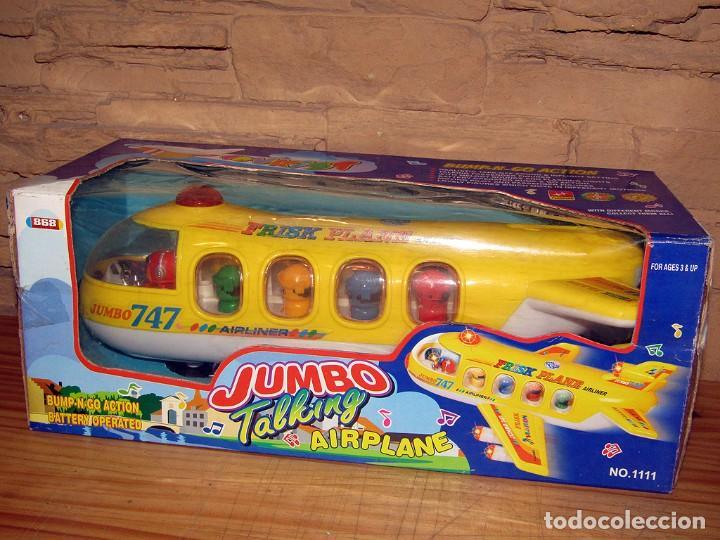 JUMBO TALKING AIRPLANE - AVION CON PASAJEROS A PILAS - NUEVO Y EN SU CAJA ORIGINAL (Juguetes - Varios)