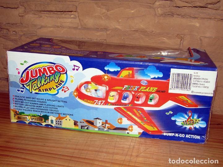 Juguetes antiguos y Juegos de colección: JUMBO TALKING AIRPLANE - AVION CON PASAJEROS A PILAS - NUEVO Y EN SU CAJA ORIGINAL - Foto 3 - 261852440