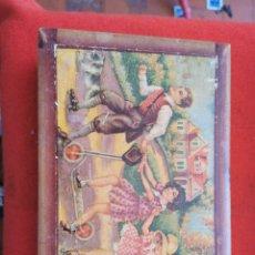 Juguetes antiguos y Juegos de colección: ANTIGUA CAJA DE MADERA CON NIÑOS JUGANDO. Lote 266737168