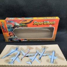 Brinquedos antigos e Jogos de coleção: CAJA DE VIEJOS AVIONES DE METAL SÚPER WHEELS. Lote 267844609