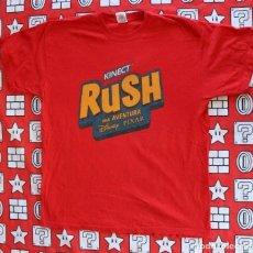Juguetes antiguos y Juegos de colección: CAMISETA PROMOCIONAL XBOX 360 KINECT DISNEY PIXAR RUSH TALLA L BUEN ESTADO. Lote 270244428
