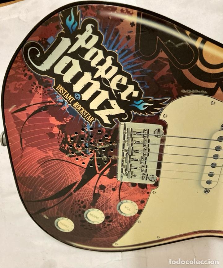 Juguetes antiguos y Juegos de colección: Guitarra PAPER JAMZ, ( juguete ) funciona perfectamente - Foto 3 - 277477193
