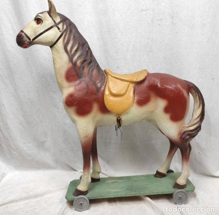 Juguetes antiguos y Juegos de colección: Caballo de juguete de cartón piedra, hacia 1950. Fabricante: Antonio Penas Sardà. - Foto 6 - 277728058