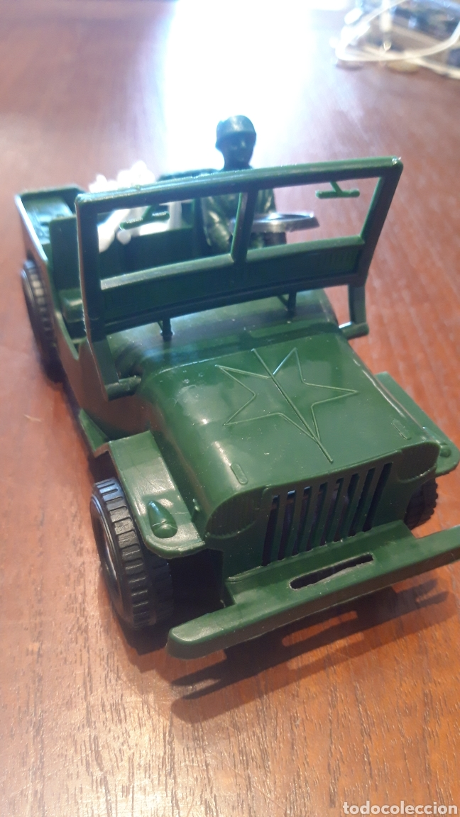 Juguetes antiguos y Juegos de colección: Jeep Willys- juguete plástico- marca jalbe años 70 - Foto 4 - 287260193