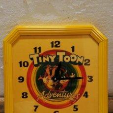 Juguetes antiguos y Juegos de colección: RELOJ TINY TOON ADVENTURES WARNER BROS 1992. Lote 295510623
