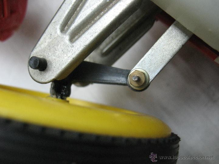 Juguetes antiguos Jyesa: Jyesa - Enorme bólido de carreras con mecanismo a pilas dirigido por cable de los años 60 - Foto 4 - 47894317
