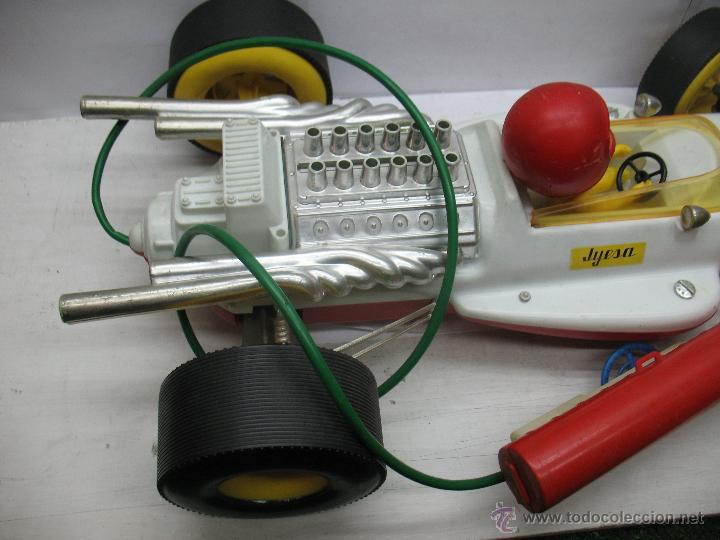 Juguetes antiguos Jyesa: Jyesa - Enorme bólido de carreras con mecanismo a pilas dirigido por cable de los años 60 - Foto 8 - 47894317