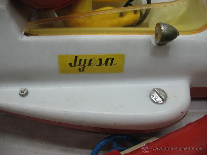 Juguetes antiguos Jyesa: Jyesa - Enorme bólido de carreras con mecanismo a pilas dirigido por cable de los años 60 - Foto 9 - 47894317