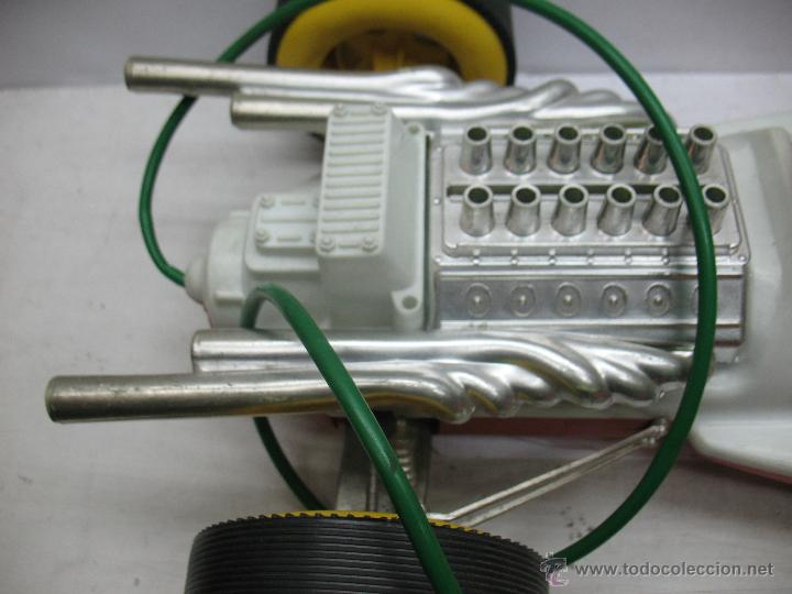 Juguetes antiguos Jyesa: Jyesa - Enorme bólido de carreras con mecanismo a pilas dirigido por cable de los años 60 - Foto 10 - 47894317