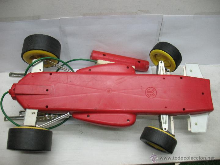 Juguetes antiguos Jyesa: Jyesa - Enorme bólido de carreras con mecanismo a pilas dirigido por cable de los años 60 - Foto 13 - 47894317