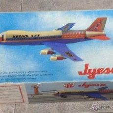Juguetes antiguos Jyesa: AVIÓN BOIENG 747. ELECTRONICO DE JYESA. AÑOS 80. CON CAJA. VER FOTOS. Lote 53215429