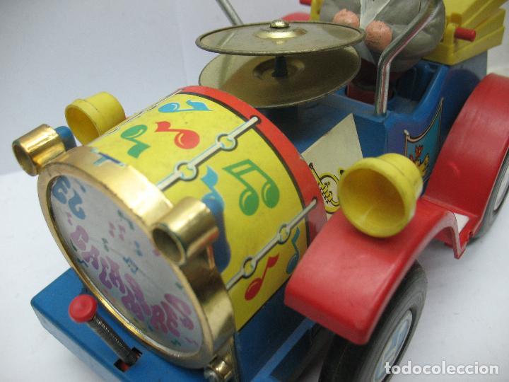 Juguetes antiguos Jyesa: Jyesa Ref: 460 - El auto del tío calambres coche de plástico con mecanismo a pilas - Foto 4 - 71987755