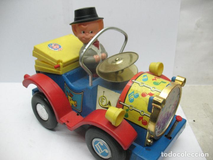 Juguetes antiguos Jyesa: Jyesa Ref: 460 - El auto del tío calambres coche de plástico con mecanismo a pilas - Foto 8 - 71987755
