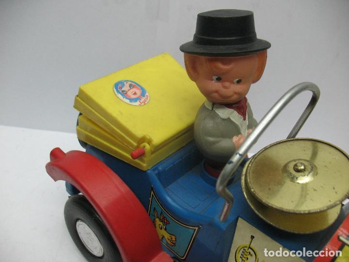 Juguetes antiguos Jyesa: Jyesa Ref: 460 - El auto del tío calambres coche de plástico con mecanismo a pilas - Foto 9 - 71987755