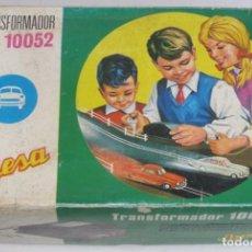 Juguetes antiguos Jyesa: JYESA TRANSFORMADOR REF 10052 PARA PISTAS DE COCHES CON SU CAJA. Lote 74317415