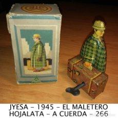 Juguetes antiguos Jyesa: 1945 JYESA HOMBRE CON MALETA EL MALETERO HOJALATA A CUERDA FUNCIONANDO MUY BUEN ESTADO CAJA 266. Lote 120286691