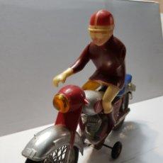 Juguetes antiguos Jyesa: MOTO DE FRICCIÓN JYESA CON MOTORISTA MUY ESCASA MADE IN SPAIN. Lote 145790662