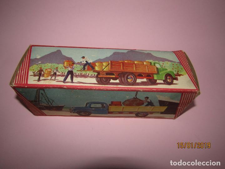 Juguetes antiguos Jyesa: Antiguo Camion AUSTIN Loadstar con Grua a Cuerda Transportes JYE - JYESA - Año 1950s. - Foto 2 - 147085602