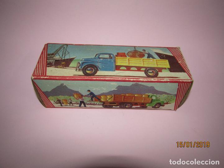Juguetes antiguos Jyesa: Antiguo Camion AUSTIN Loadstar con Grua a Cuerda Transportes JYE - JYESA - Año 1950s. - Foto 3 - 147085602