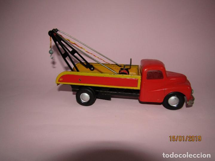 Juguetes antiguos Jyesa: Antiguo Camion AUSTIN Loadstar con Grua a Cuerda Transportes JYE - JYESA - Año 1950s. - Foto 5 - 147085602