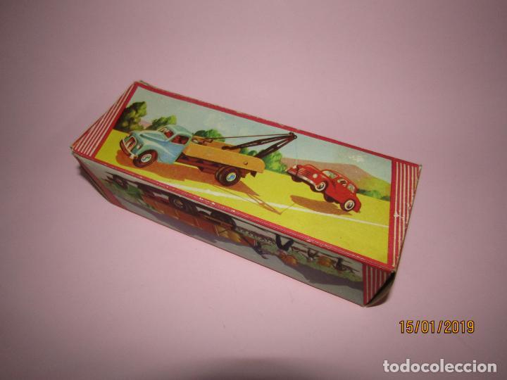 Juguetes antiguos Jyesa: Antiguo Camion AUSTIN Loadstar con Grua a Cuerda Transportes JYE - JYESA - Año 1950s. - Foto 10 - 147085602