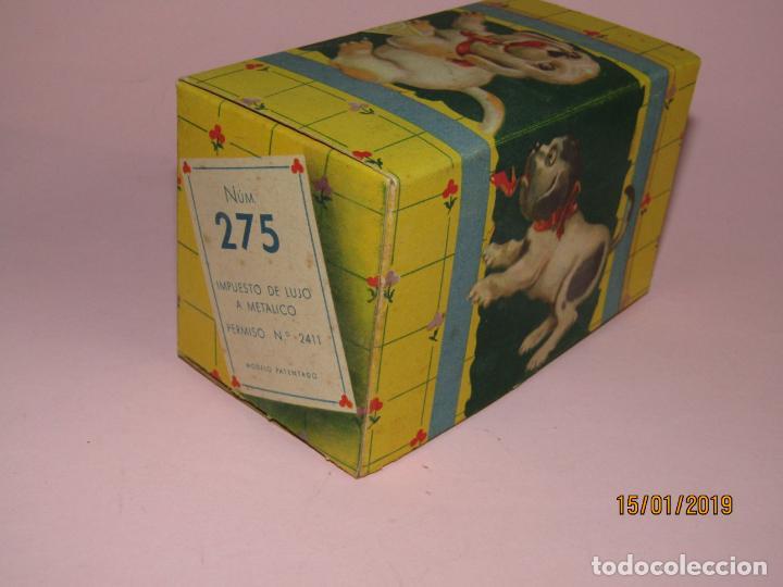 Juguetes antiguos Jyesa: Antiguo Perro Perrito a Cuerda Jugando con Zapato de JYE JYESA a Estrenar y en Caja Original - Foto 10 - 147246706