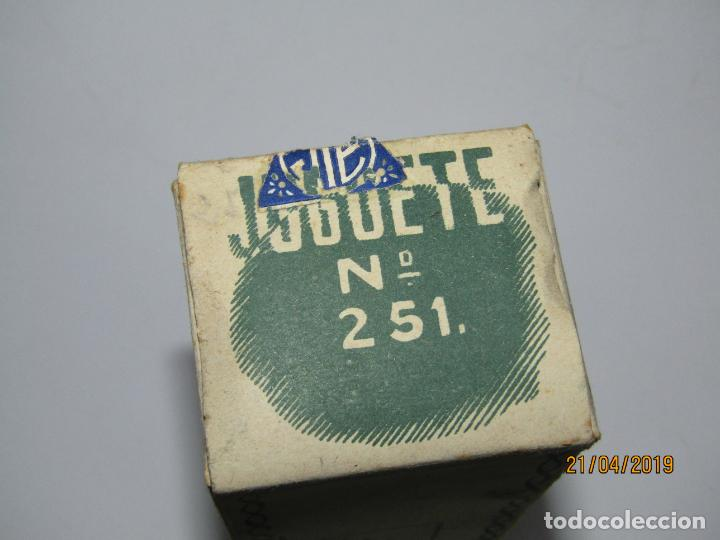Juguetes antiguos Jyesa: Antiguo Autobús GUAGUA a Cuerda en Chapa Pintada y Hojalata Ref. 251 de JYE JYESA Como Nuevo - Foto 18 - 160890506