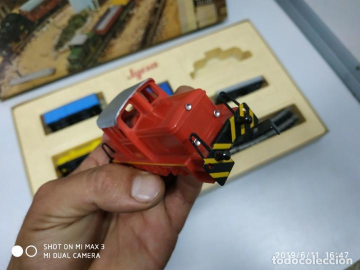Juguetes antiguos Jyesa: juego de trenes jyesa H0 en caja nunca jugado perfecto estado de coleccion locomotora vias trenes - Foto 11 - 167887476