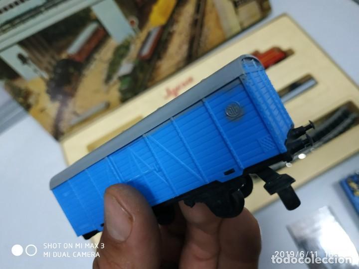 Juguetes antiguos Jyesa: juego de trenes jyesa H0 en caja nunca jugado perfecto estado de coleccion locomotora vias trenes - Foto 20 - 167887476