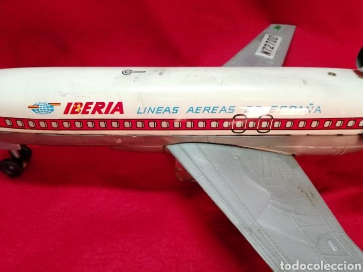Juguetes antiguos Jyesa: Avión iberia a pilas años 60-70, JYE. - Foto 2 - 178759507