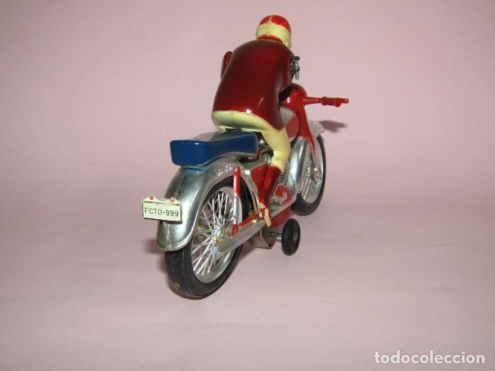 Juguetes antiguos Jyesa: Antigua Moto con Motorista FCTO 999 a Fricción de Juguetes JYE JYESA de Ibi - Foto 7 - 219697791
